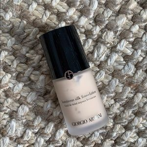 Other - NEW Armani luminous silk foundation shade 3